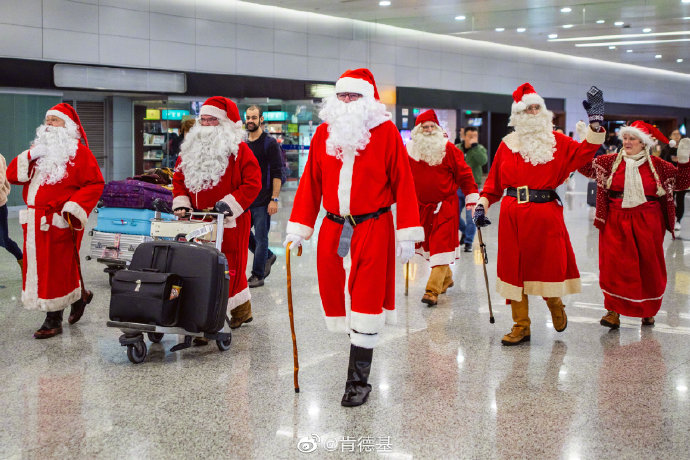 Santas in China 2019 image 4