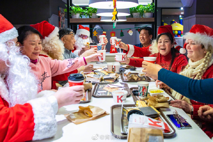 Santas in China 2019 image 7