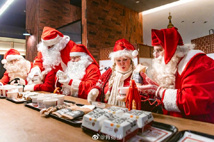 Santas in China 2019 image 8
