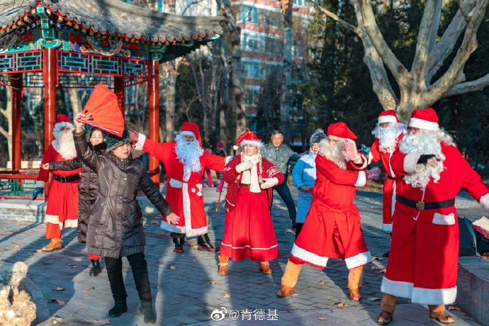 Santas in China 2019 image 11