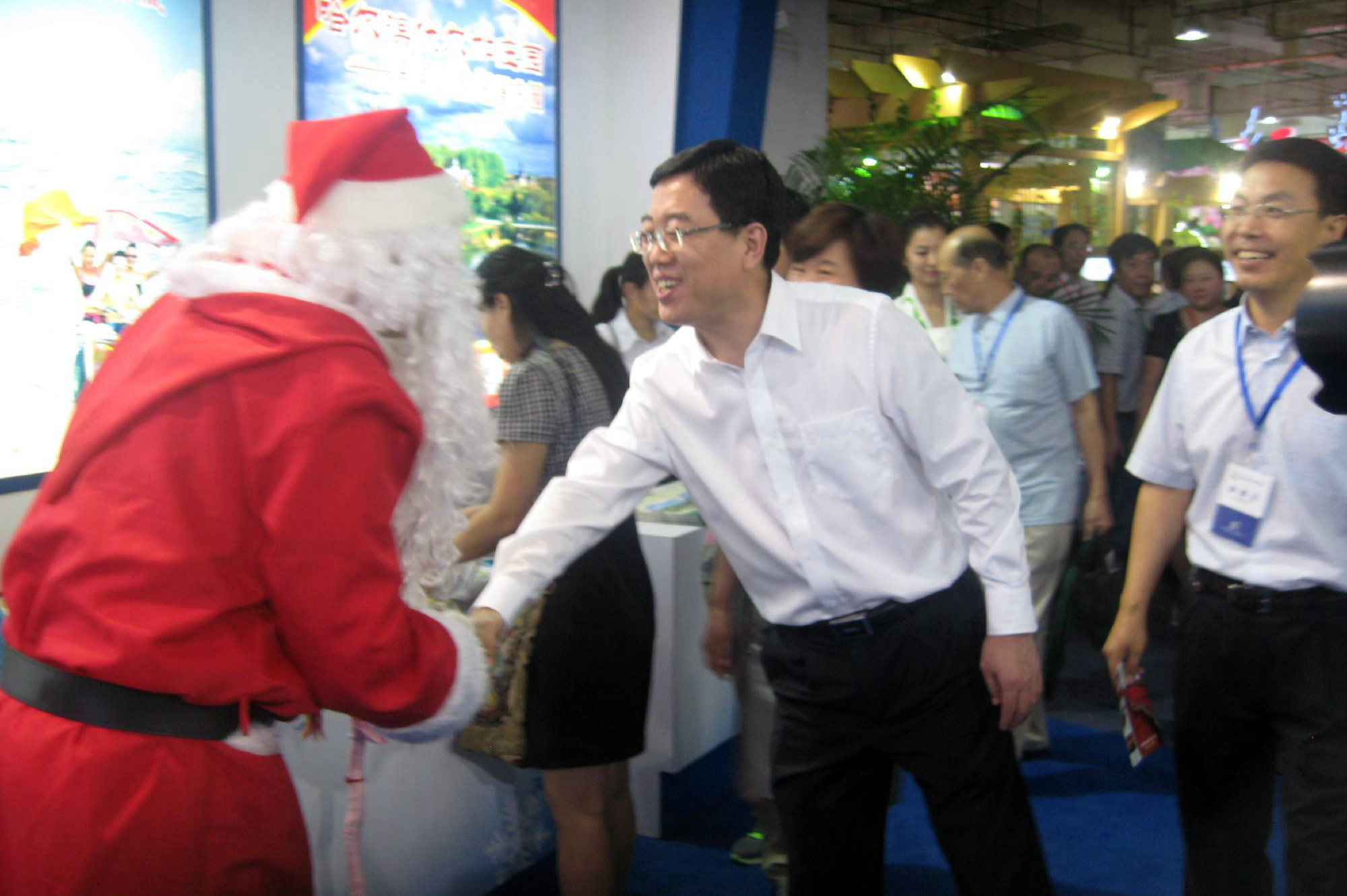 Finnish Santa Claus Matti visited Shanghai in 2015